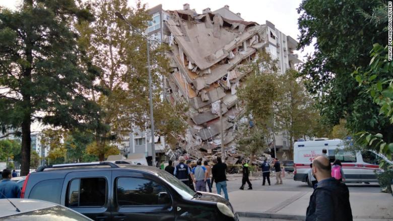 Powerful earthquake jolts Turkey and Greece, killing at least 19