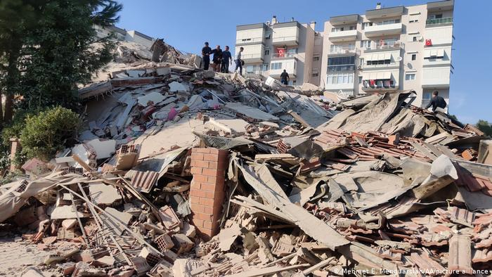 Sismo en Turquía: Tsunami deja daños materiales en la isla de Samos, Grecia