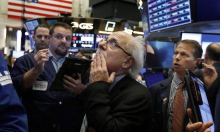 Coronavirus tumba a Wall Street y cierra su peor mes desde marzo
