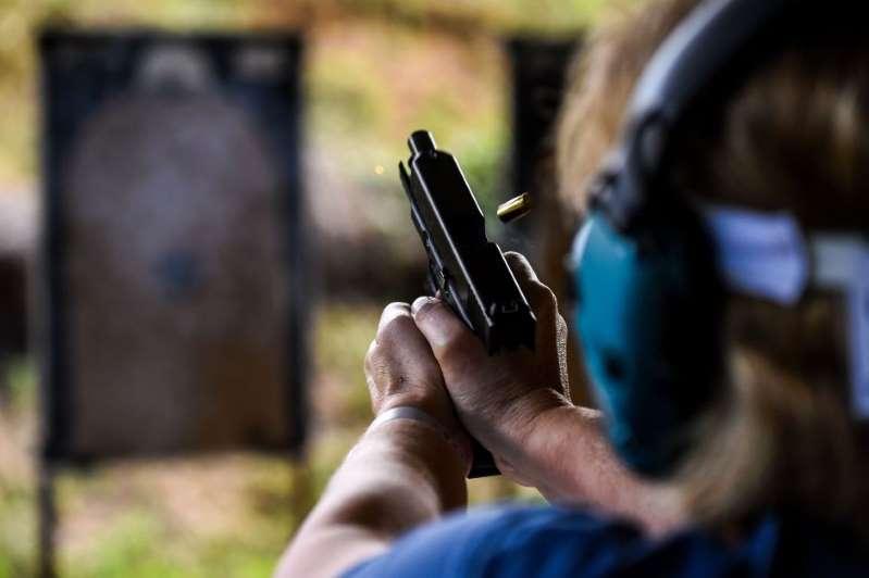 Las ventas de armas por compradores primerizos se dispara en Estados Unidos