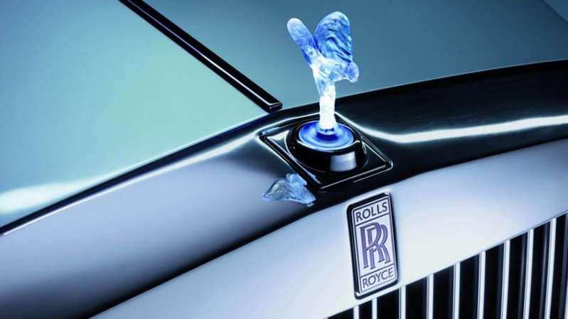 Por qué Rolls-Royce no podrá usar la versión iluminada del Espíritu del Éxtasis