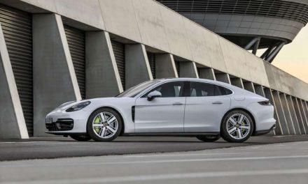 Porsche celebra 10 años produciendo autos y SUVs híbridos