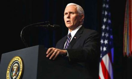 Asesores cercanos del vicepresidente de EEUU dan positivo por COVID-19