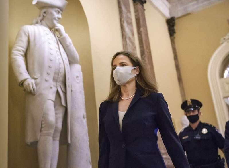 El Senado debate la inminente confirmación de la jueza Barrett