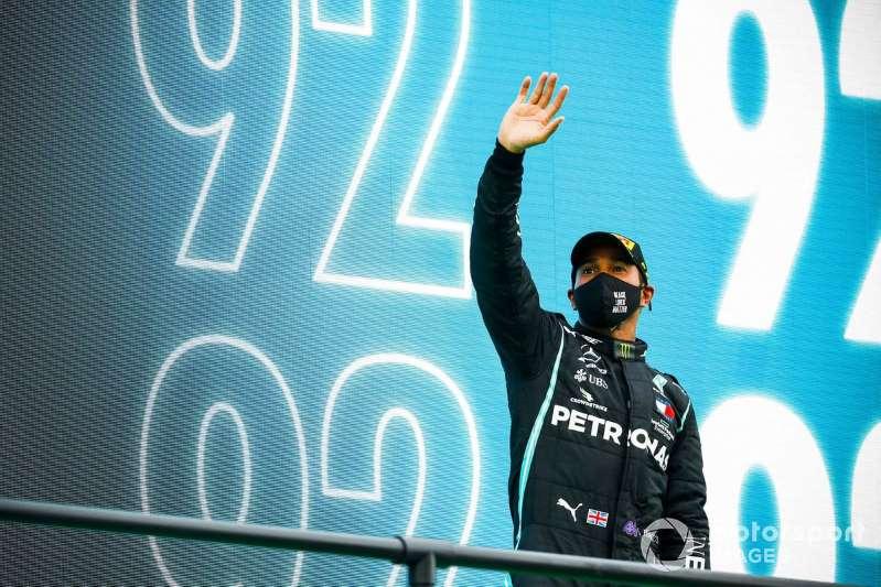 Hamilton gana en Portugal su carrera 92 en la F1