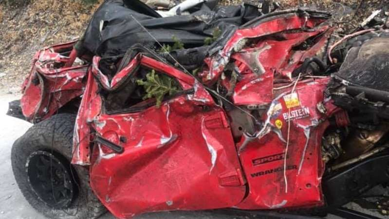 Así quedó un Jeep Wrangler después de caer de un desfiladero