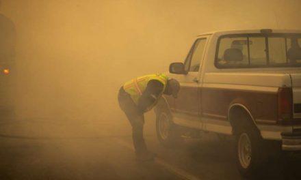Los incendios forestales al sur de California generan el aire más insalubre del país