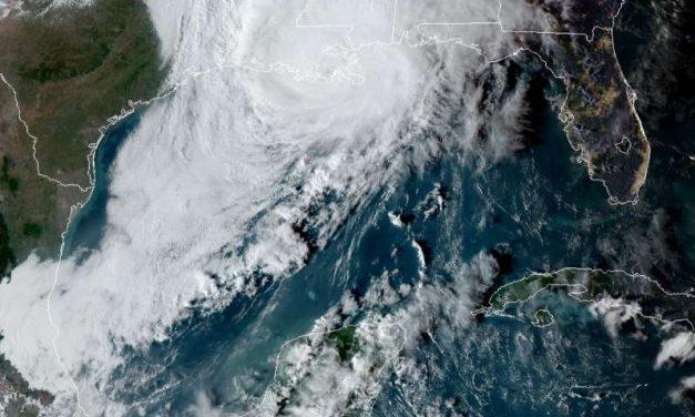 Zeta toca tierra como huracán de categoría 2 en Louisiana. Es la quinta tormenta que golpea el estado en 2020