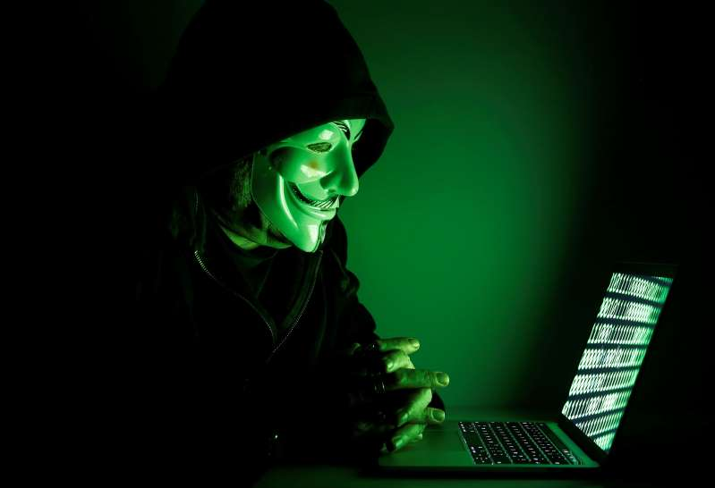 Piratas informáticos roban dos millones de dólares de la campaña de Trump