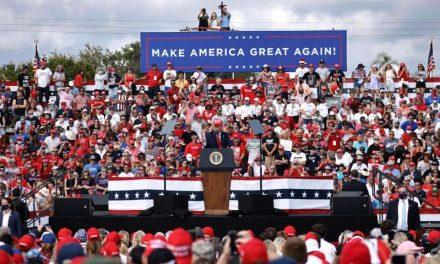 La economía y la covid-19 centran el duelo Biden-Trump por Florida en la recta final