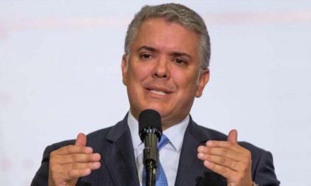 Reciben en Málaga a Iván Duque con cacerolazo