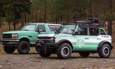 Para combatir los incendios forestales en USA, Ford dona Broncos con equipo especial.