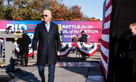 Biden lanza sitio web para la transición de gobierno en el que hace un guiño a los latinos