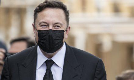 Elon Musk da positivo… y negativo a tests rápidos de coronavirus