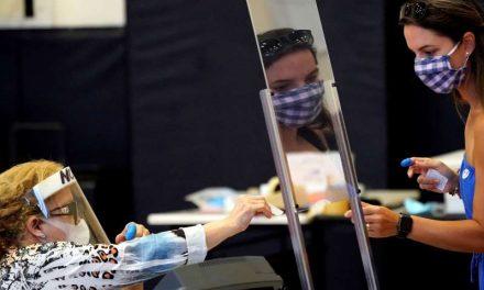 Texas: Corte rechaza intento republicano de desechar votos