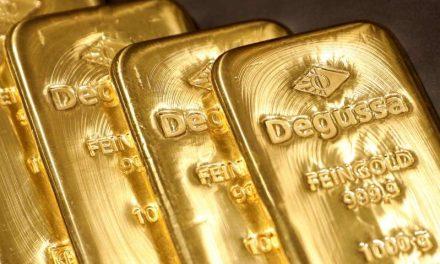 Oro cotiza estable mientras inversores se concentran en carrera por la Casa Blanca