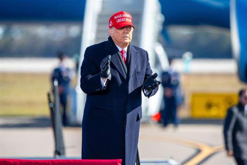 Trump asegura que carece de discurso postelectoral y critica al Supremo por ampliar los comicios en Pensilvania