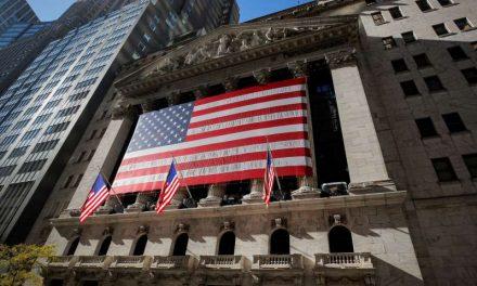 Nasdaq sube 2% por regreso de inversores a acciones tecnológicas