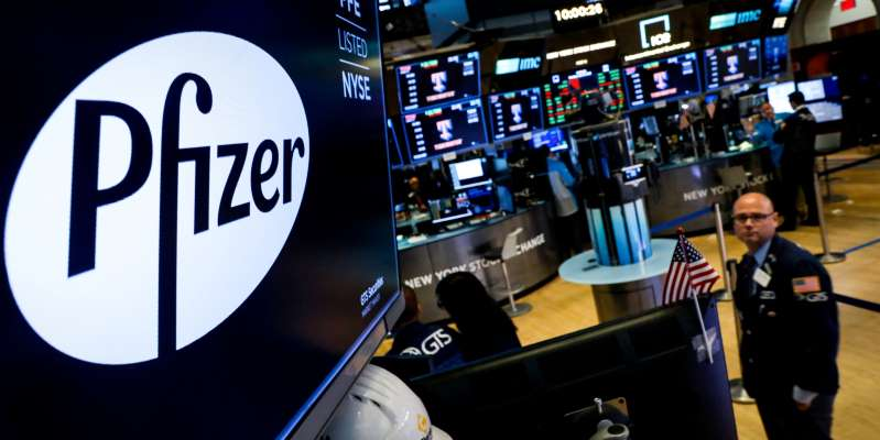 CEO de Pfizer vendió 60% de sus acciones el mismo día que se anunciaron los resultados de la vacuna contra el Covid; ganó 5.7 millones de dólares