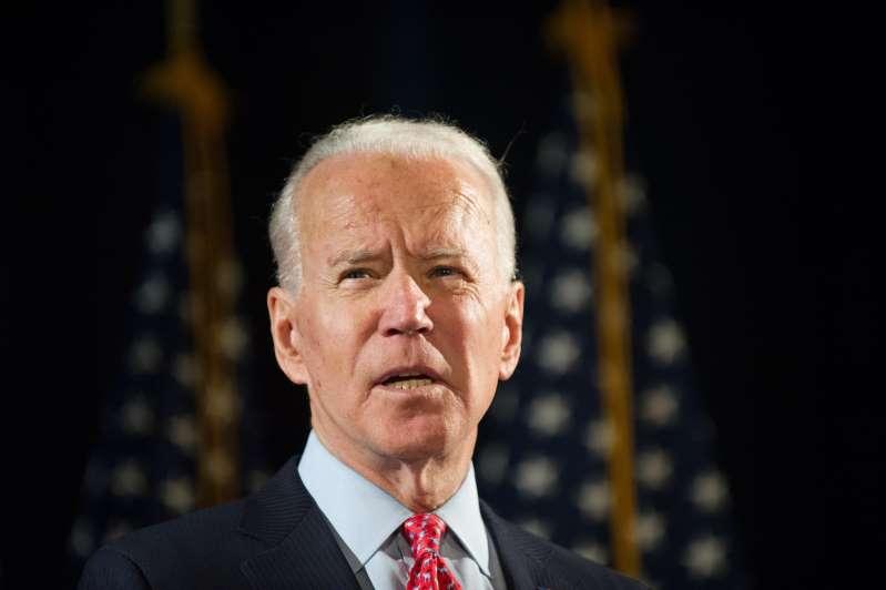 Joe Biden amplía su margen en voto popular. Trump intenta deslegitimarle