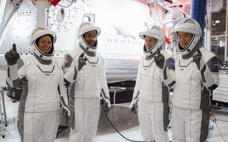 El lanzamiento de SpaceX abrirá la puerta a numerosos negocios en el espacio: 'Es un mercado masivo'