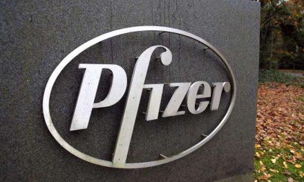 Las Acciones de Pfizer caen porque la vacuna Moderna se ve más fácil de distribuir
