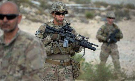 """La preocupación que despierta la """"precipitada"""" retirada de soldados de EE.UU. de Afganistán e Irak"""