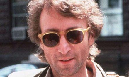 Se busca comprador para el disco que John Lennon le firmó a su asesino