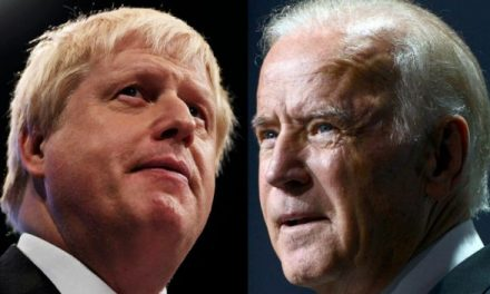 """Boris Johnson habla con Joe Biden sobre sus """"prioridades comunes"""""""
