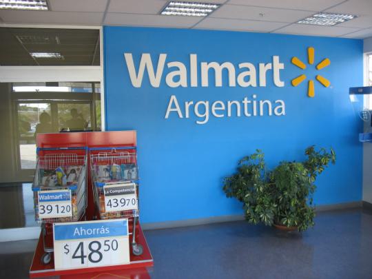 Devaluación  en Argentina revienta a Walmart. La cadena anuncia su salida del país.