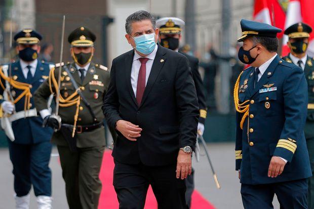 Nuevo presidente de #Perú, Manuel Merino dura sólo 5 días en el cargo y renuncia ante el rechaso popular