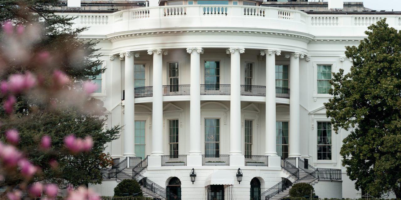 """Historiadora de la Casa Blanca acusa a Donald Trump de """"abandono intencional de su cargo"""""""