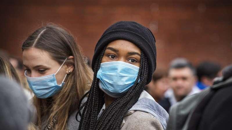 Coronavirus USA: ¿será obligatorio ponerse la vacuna y llevar la mascarilla tras ponérsela?
