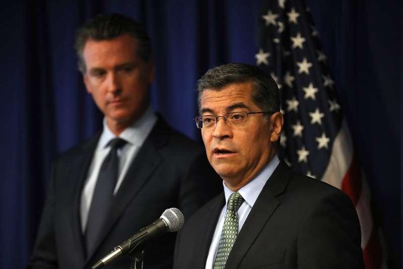 Joe Biden nomina a Xavier Becerra como secretario de Salud. De ser confirmado sería el primer latino en ocupar el cargo