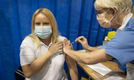 Estos son los efectos adversos que se han registrado hasta el momento por la vacuna de covid-19