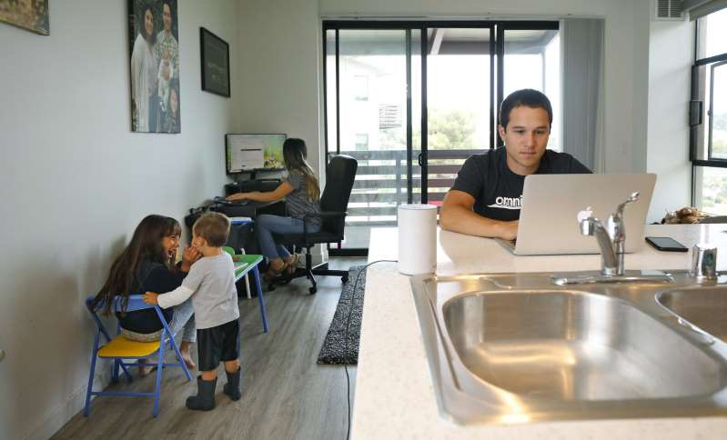 Tras la pandemia, la mayoría en EEUU quieren seguir trabajando en casa