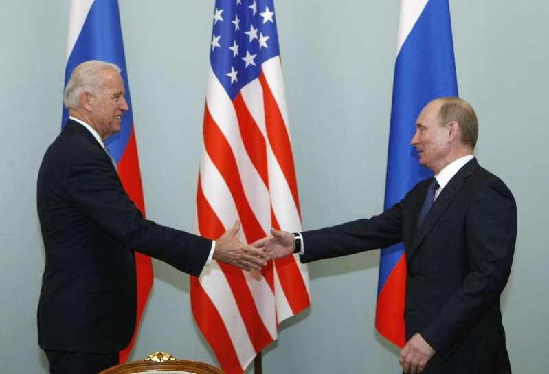 Vladimir Putin felicita a Biden por su victoria en las elecciones. AMLO encapsula a México