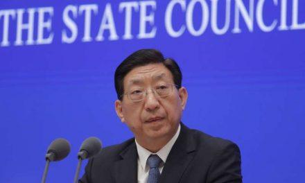 China continuará vacunando al personal de riesgo antes de la vacunación masiva
