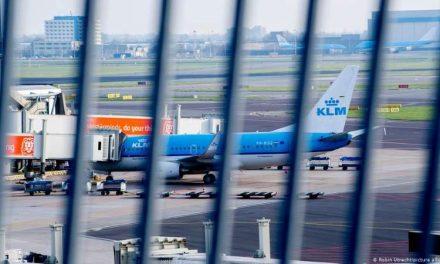 Holanda prohibe los vuelos desde el Reino Unido por variante más contagiosa de coronavirus
