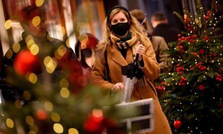 Europa enfrenta la Navidad con estrictas cuarentenas y con la incertidumbre por la nueva variante de coronavirus detectada en Reino Unido