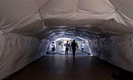 Podría haber 100.000 hospitalizaciones en California en enero