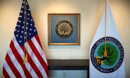 Biden nombra a Miguel Cardona para encabezar la educación