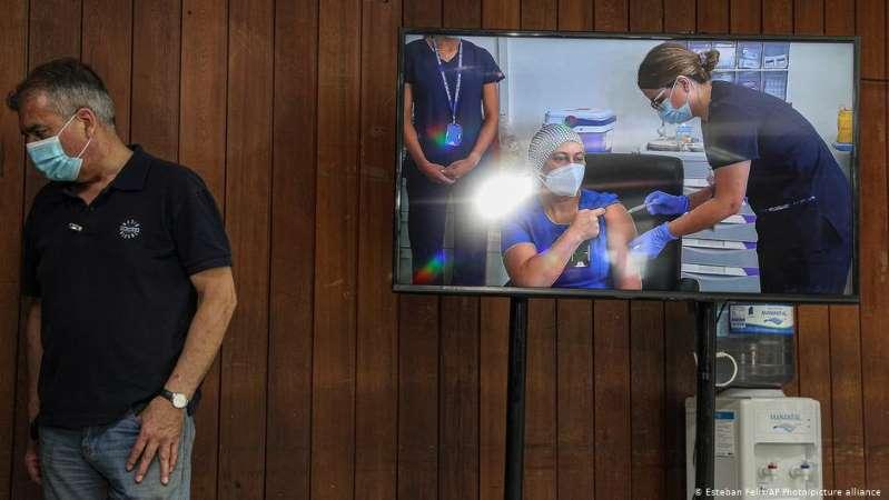 Chile y Costa Rica inician vacunación contra el Covid-19