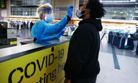 Rebasa Estados Unidos los 19,000,000 de contagios de coronavirus