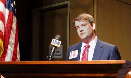 Muere por complicaciones del COVID-19 el congresista electo Luke Letlow. Tenía 41 años