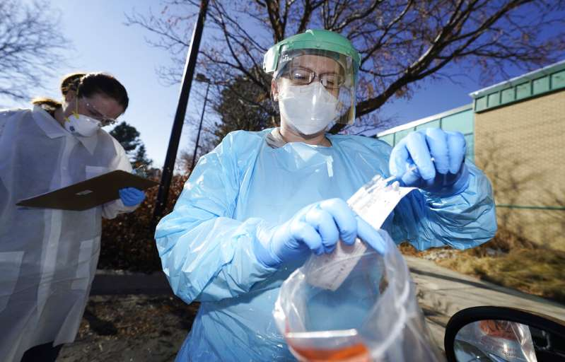 La nueva mutación del coronavirus se propaga más rápidamente y puede colapsar los hospitales en Estados Unidos