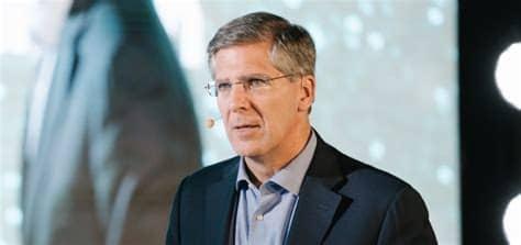 How any leader can make an impact: PwC's Bob Moritz