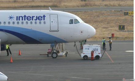 La línea aérea mexicana 'Interjet' sin dinero para pagar combustible. Está reventada y cancela otra vez sus vuelos