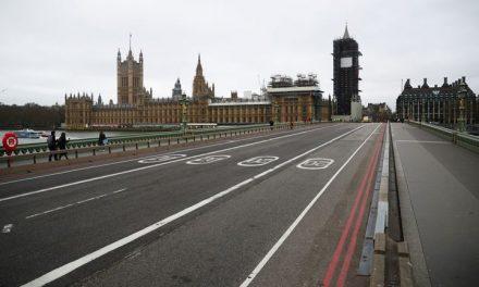 """Londres, en nivel """"grave"""", ordena cierres por nueva cepa de covid-19 que se propaga a mayor velocidad"""