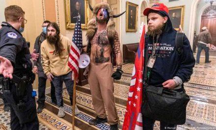 Arrestan a otros tres seguidores de Trump por asalto al Capitolio